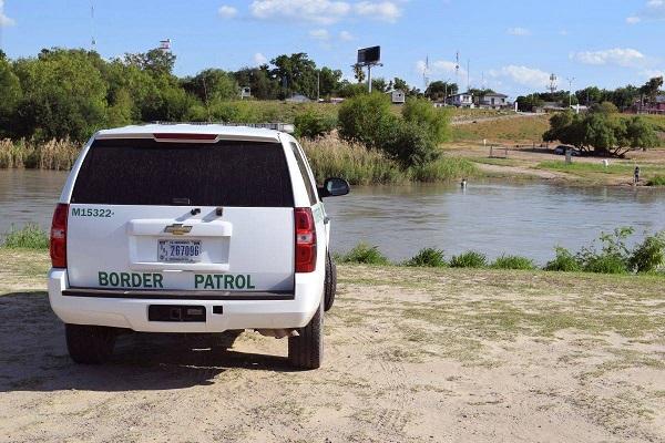 Agentes de la Patrulla Fronteriza salvaron a un bebé salvadoreño de seis meses de morir ahogado en las aguas del Río Grande cerca a la localidad de Roma, en el estado de Texas, informó hoy esa entidad. EFE/Archivo