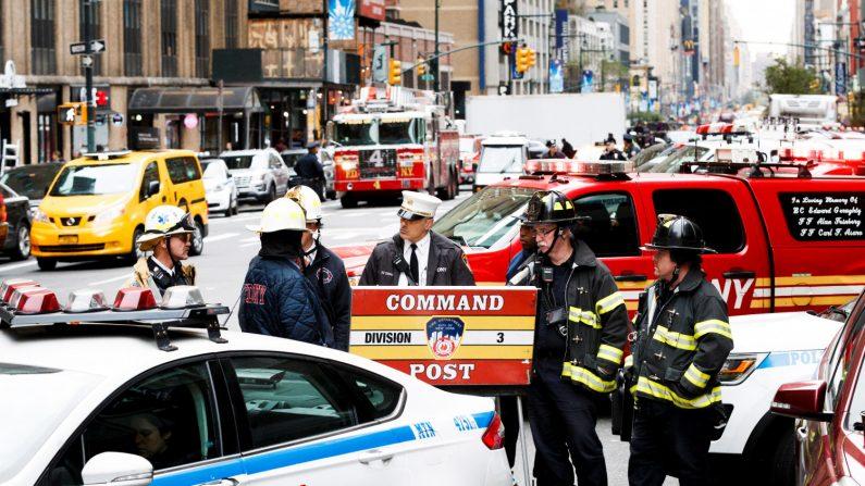 Un helicóptero se estrella en la azotea de un edificio en Nueva York. (EFE)
