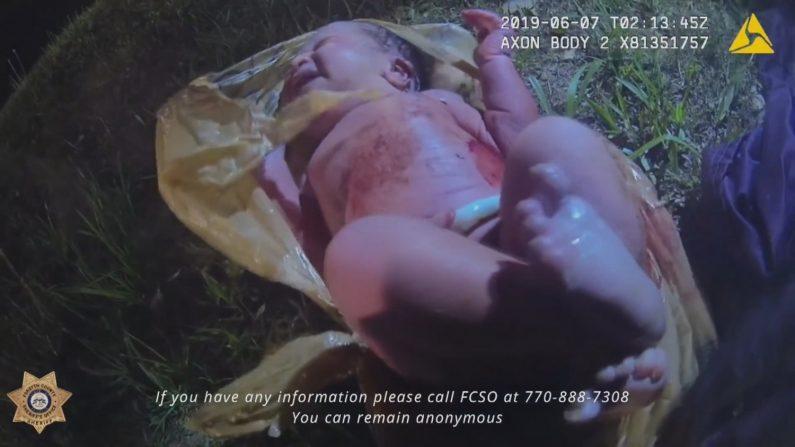 Difunden el video de rescate de una bebé abandonada en una bolsa de plástico en EE.UU. EFE