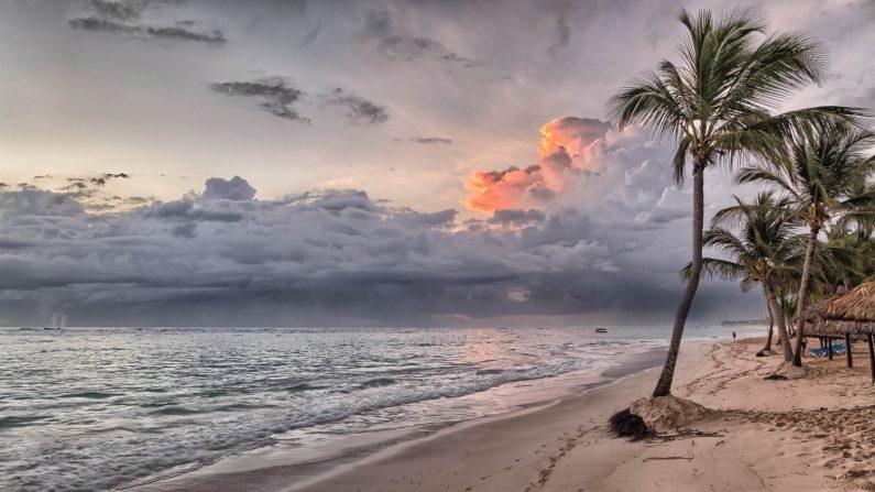 Bahía Príncipe al amanecer. República Dominicana. (Wikimedia Commons)