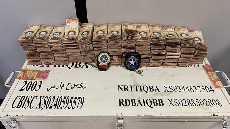 Fotografía cedida de la Policía Civil de Río de Janeiro que muestra dinero venezolano incautado el 27 de junio de 2019, en Río de Janeiro (Brasil). EFE/Policia Civil Río de Janeiro