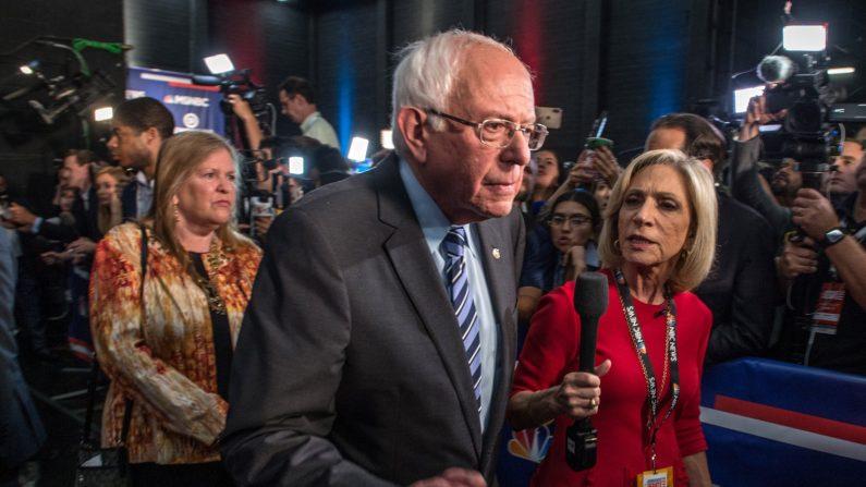 El precandidato presidencial demócrata Bernie Sanders durante la segunda noche del primer debate presidencial demócrata en Miami, Florida (EE. UU.), el 27 de junio de 2019. EFE/ Giorgio Viera