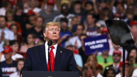Más de 600 compañías estadounidenses apoyan los aranceles que Trump impone a China