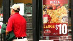 Repartidor de pizza vio algo raro y salvó a dos niñas de su padre abusador