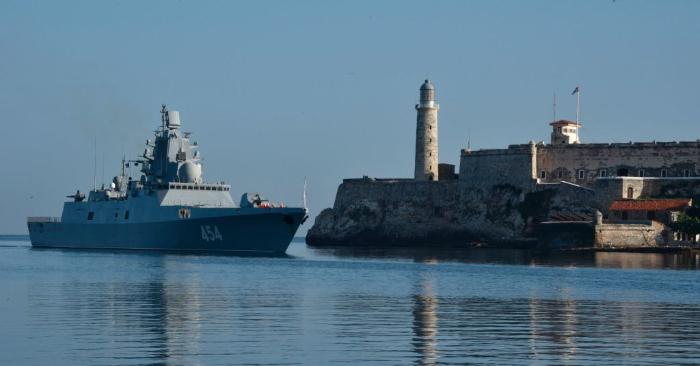 La fragata rusa Almirante Gorshkov llega al puerto de La Habana el 24 de junio de 2019. Foto de ADALBERTO ROQUE/AFP/Getty Images.