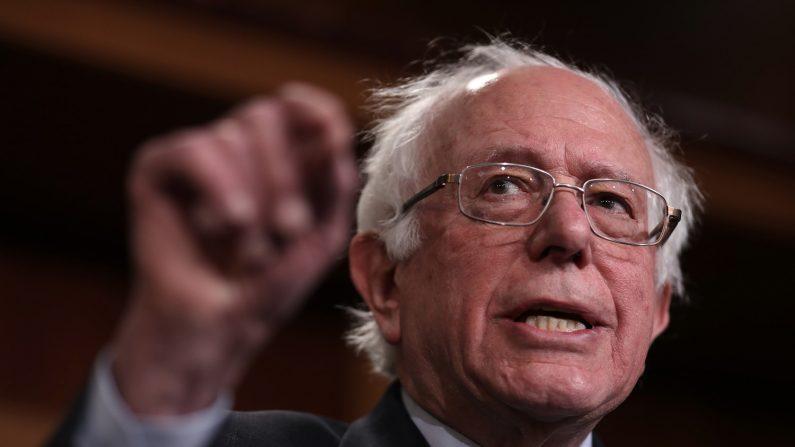 El senador Bernie Sanders (I-VT) habla durante una conferencia de prensa en el Capitolio de los EE. UU. El 30 de enero de 2019 en Washington, DC. (Créditos: Win McNamee/Getty Images)