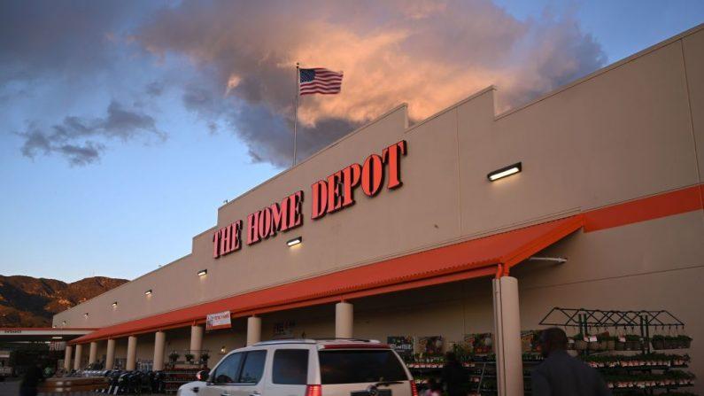 Vista de una tienda de Home Depot en Burbank, California (EE.UU.) el 18 de febrero de 2019. (ROBYN BECK/AFP/Getty Images)