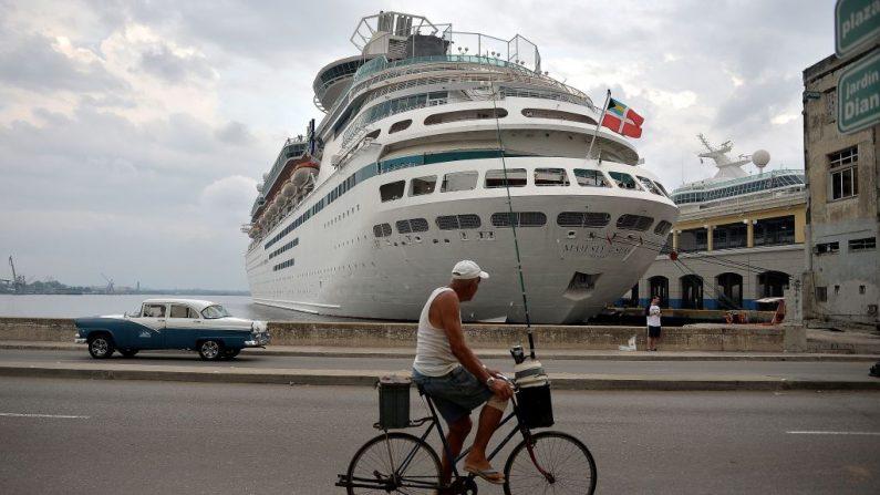 Un crucero de Royal Caribbean atracado en el puerto de La Habana el 6 de mayo de 2019. (YAMIL LAGE/AFP/Getty Images)
