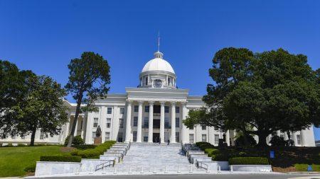 Alabama firma una ley de castración química para abusadores sexuales de niños