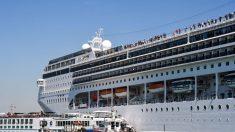 Escenas de pánico en Venecia: Crucero fuera de control MSC Opera choca a un barco turístico