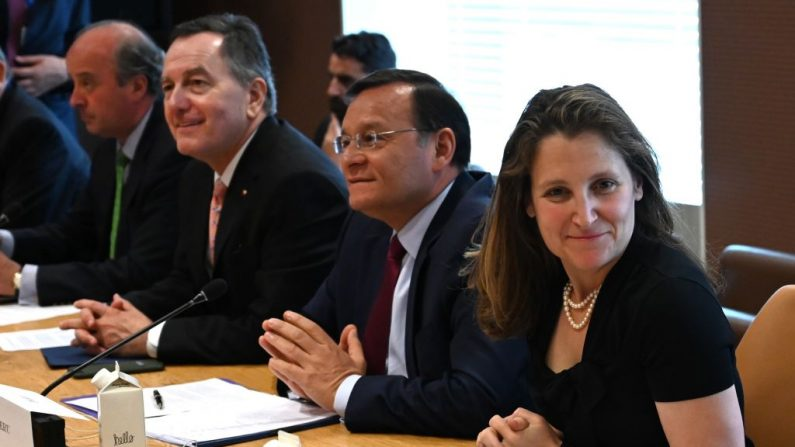Chrystia Freeland, Ministra de Relaciones Exteriores de Canadá asiste a una reunión sobre la crisis de Venezuela con representantes del Grupo de Lima y del Grupo de Contacto Internacional en las Naciones Unidas el 3 de junio de 2019 en Nueva York. (TIMOTHY A. CLARY/AFP/Getty Images)