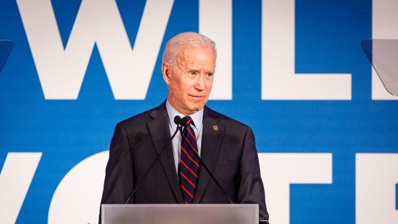 El ex vicepresidente y candidato presidencial demócrata de 2020, Joe Biden, habla ante una multitud en un evento del Comité Nacional Demócrata en Flourish en Atlanta el 6 de junio de 2019. (Créditos: Dustin Chambers/Getty Images)