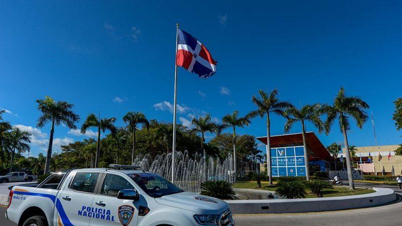 Vehículo policial de República Dominicana, el 24 de enero de 2017. (FEDERICO PARRA/AFP/Getty Images)