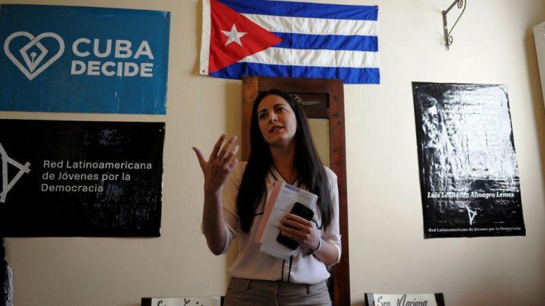 Rosa María Paya, hija del difunto disidente cubano Oswaldo Paya, en una conferencia de prensa en su casa en La Habana, el 22 de febrero de 2017. (YAMIL LAGE/AFP/Getty Images)