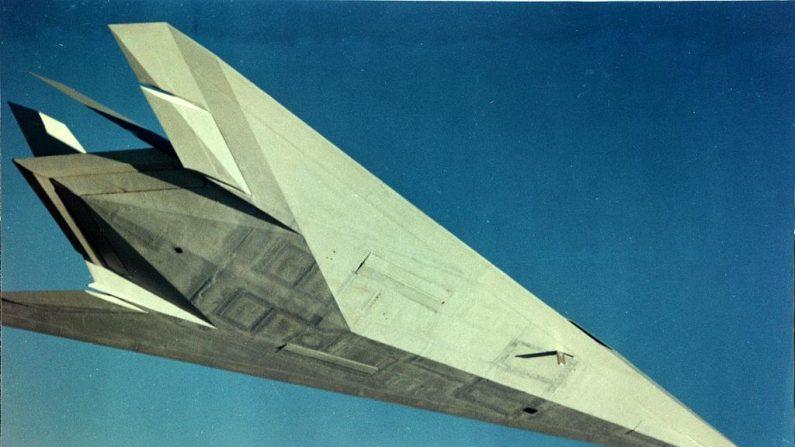 Avión Have Blue, prototipo del F.117, pudo haber realizado pruebas en el Área 51. (Wikimedia Commons)