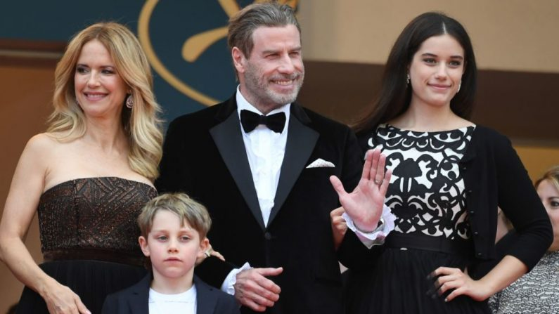 John Travolta, Kelly Preston, Ella Bleu y Benjamin. (Crédito: LOIC VENANCE | Getty Images)