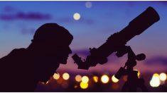 Abuela se pasa noches observando el cielo estelar y toma increíble foto. ¡Luego la contacta la NASA!
