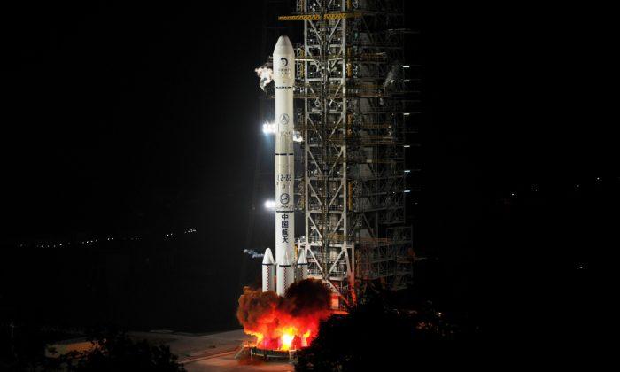 El cohete Change'e de China. (STR/AFP/Getty Images)