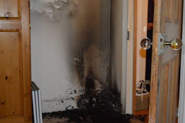 Al parecer el picaporte de cristal que aparece en la imagen ocacionó un incendio. (London Fire Brigade)