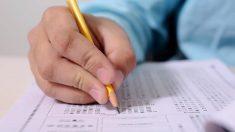 """Escuela se disculpa luego de que un maestro entrega a niño autista un """"premio al más molesto"""""""
