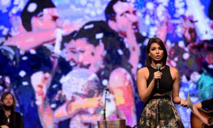 "TV personality Melissa Rycroft speaks onstage during ""Stars For Wishes"" 2015 in Nashville, Tennessee on Jan, 17, 2015. (Photo by Rick Diamond/Getty Images for Make A Wish)"