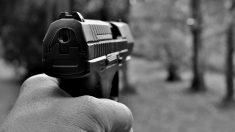 Asesinato a sangre fría: Disparan a mujer colombiana frente a su hijo de 9 años