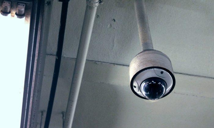 Imagen ilustrativa de una cámara de seguridad. (FlitsArt/Pixabay)
