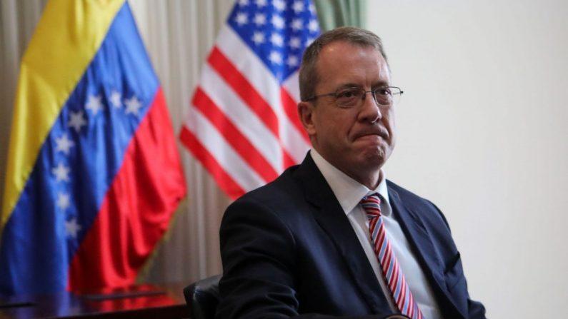 El encargado de Negocios de los Estados Unidos en Venezuela, James Story, participa en un encuentro con diputados de la Asamblea Naciona, el miércoles 7 de octubre de 2018. (Cristian Hernández/EFE)