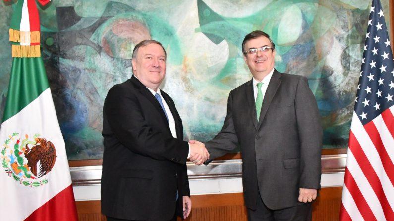 El secretario de Relaciones Exteriores de México, Marcelo Ebrard durante un encuentro con el Secretario de Estado de los Estados Unidos, Mike Pompeo el 21 de julio en la sede diplomática mexicana, en Ciudad de México(México). (EFE)