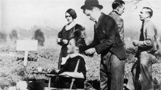 """¿De dónde salió la extraña mujer que habla por """"celular"""" en una película de Chaplin de 1928?"""
