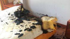 Explota el cargador de un celular sobre un colchón y provoca un incendio en España