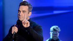 Robbie Williams revela que teme a los extraterrestres y por ello tiene guardaespaldas las 24 horas