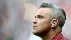 """Robbie Williams le teme a los extraterrestres y toma medidas: """"He visto uno justo encima de mí"""""""