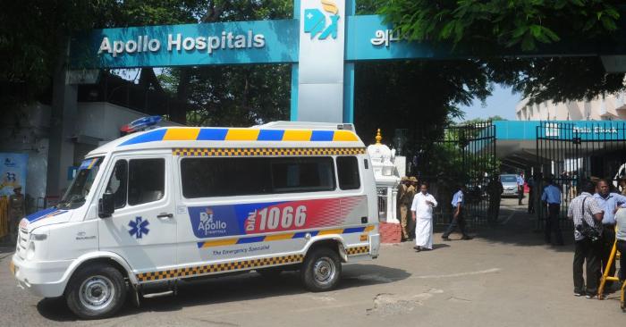 Foto ilustrativa de una ambulancia en la India. Foto de leer ARUN SANKAR/AFP/Getty Images.