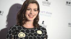 La actriz Anne Hathaway anuncia que traerá su segundo bebé al mundo