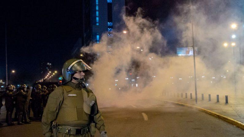 La policía antidisturbios chilena en Santiago de Chile, el 1 de junio de 2019. (MARTIN BERNETTI/AFP/Getty Images)
