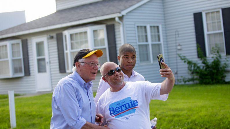 El senador de los EE.UU. y candidato presidencial demócrata de 2020, Bernie Sanders el 4 de julio de 2019 en Pella, Iowa. (Joshua Lott/Getty Images)