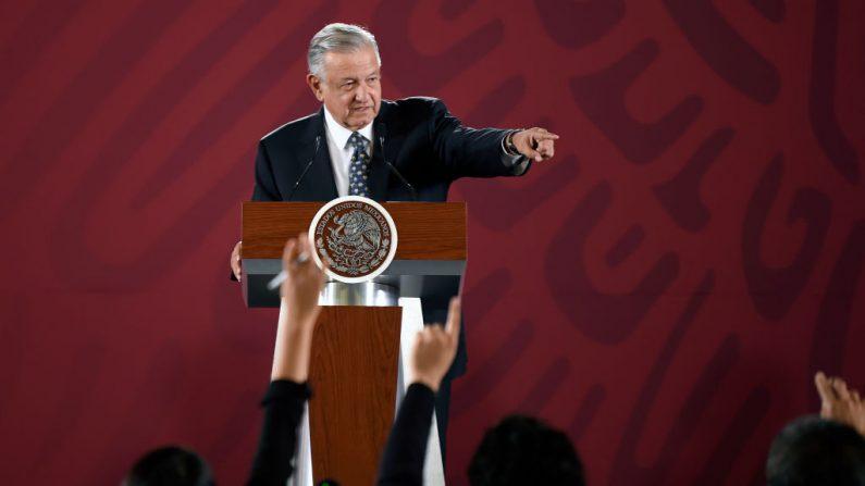 El presidente mexicano Andrés Manuel López Obrador durante una conferencia de prensa en el Palacio Nacional de la Ciudad de México el 10 de julio de 2019. (ALFREDO ESTRELLA/AFP/Getty Images)