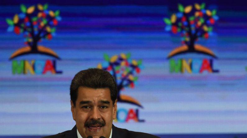 El dictador de Venezuela, Nicolás Maduro, durante una sesión plenaria del Movimiento de Países No Alineados (MNOAL) el 20 de julio de 2019 en Caracas, Venezuela. (YURI CORTEZ/AFP/Getty Images)