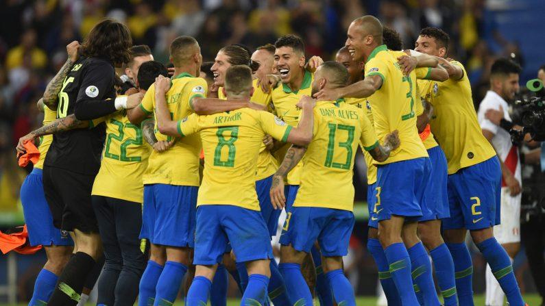 Brasil celebra el campeonato después de la final de la Copa América Brasil 2019 entre Brasil y Perú en el Estadio Maracaná el 7 de julio de 2019 en Río de Janeiro, Brasil. (Pedro Vilela/Getty Images)