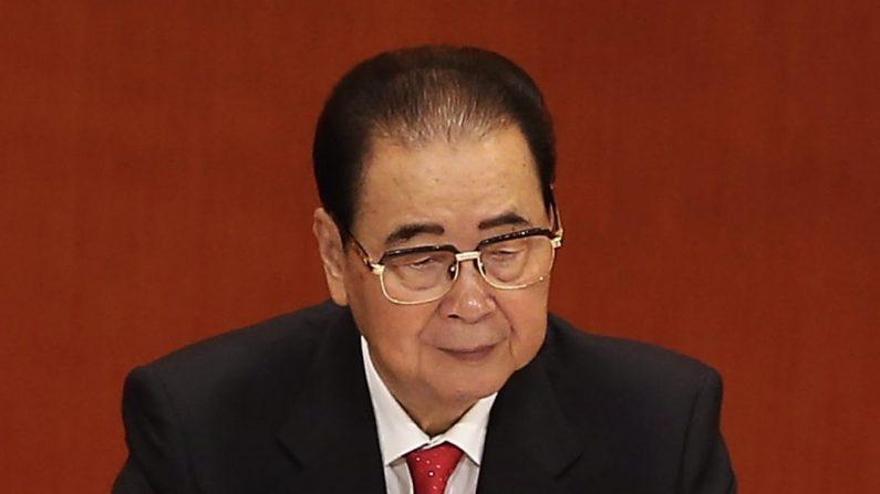 El exprimer ministro chino, Li Peng, en la sesión inaugural del 18º Congreso del Partido Comunista, que tuvo lugar en el Gran Palacio del Pueblo en Beijing el 8 de noviembre de 2012. (Lintao Zhang/Getty Images)