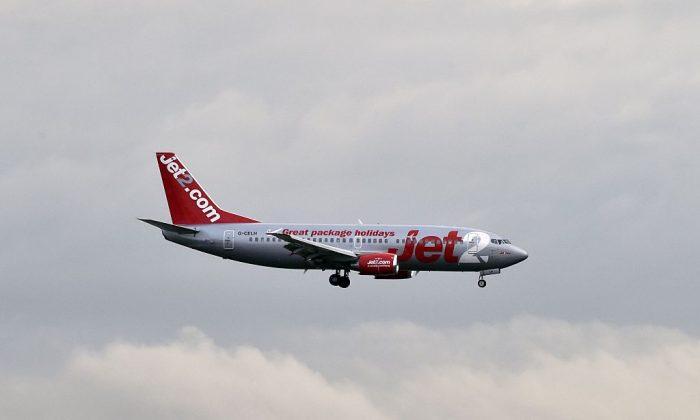 Imagen ulustrativa de un avión de Jet2 a momentos del aterrizaje. (Pascal Pavani/AFP/Getty Images)