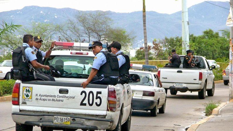 Las calles del popular balneario de Acapulco, el 29 de junio de 2005, luego de una ola de violencia en el estado de Guerrero, el sur de México. (Claudio Vargas/AFP/Getty Images)