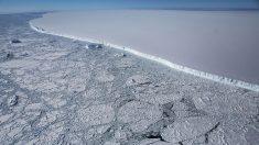 El iceberg más grande del mundo se está moviendo de nuevo y se aleja de la Antártida