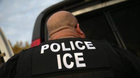 """ICE: Inmigrante ilegal acusado de violación regresó """"de inmediato"""" con su víctima luego de ser liberado"""