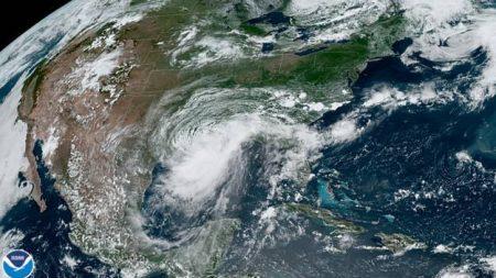 """NOAA dice que las condiciones favorables para los huracanes están por """"encima de lo normal"""""""