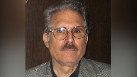 Fotografía de archivo del 21 de mayo de 2008 muestra al ex preso político cubano Ricardo Bofill, fundador del respetado Comité Cubano Pro Derechos Humanos (CCPDH). EFE/Clara Lago /ARCHIVO