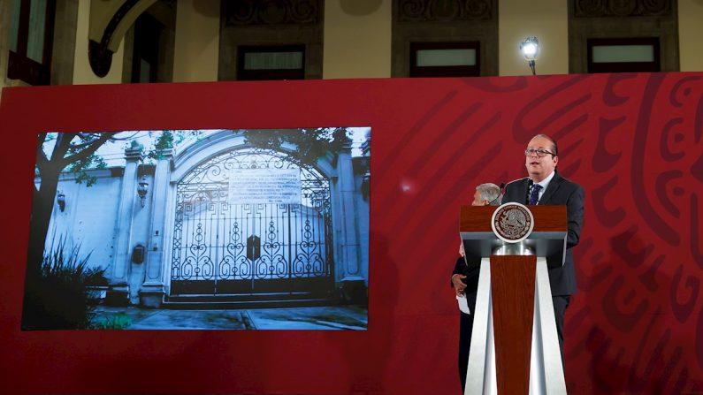 El director general del Servicio de Administración y Enajenación de Bienes (SAE) de la Secretaría de Hacienda y Crédito Público (SHCP), Ricardo Rodríguez, participa en una rueda de prensa en el Palacio Nacional de Ciudad de México (México), el 29 de julio de 2019. EFE/José Méndez