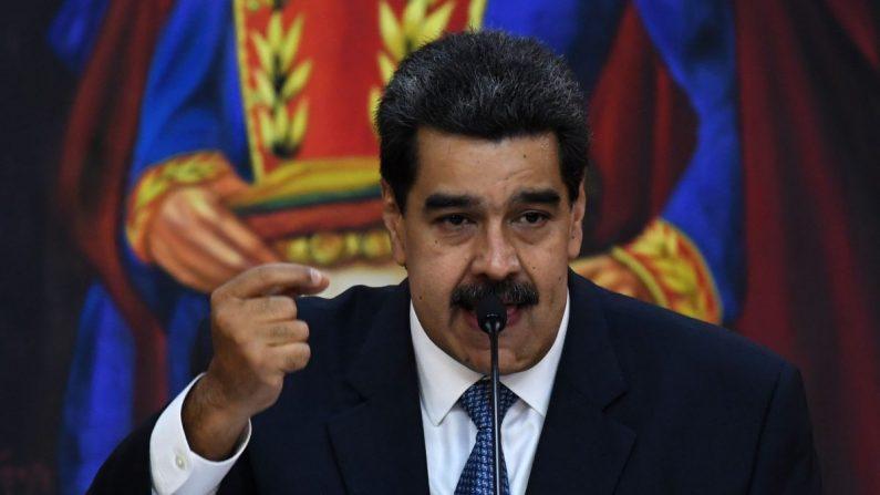 El líder del régimen venezolano, Nicolás Maduro, habla en el palacio presidencial en Caracas el 27 de junio de 2019. (Yuri Cortez/AFP/Getty Images)