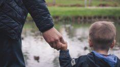 """10 consejos de un papá que perdió a su pequeño hijo: """"No gastes dinero, gasta tiempo"""""""